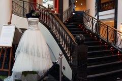 Abito di nozze del platino progettato da Mauro Adami Fotografia Stock Libera da Diritti