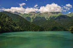 abkhazia湖横向美丽如画的ritsa 图库摄影