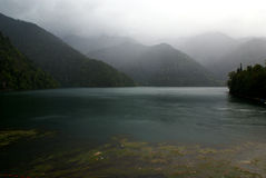 abkhazia jeziora krajobrazu malowniczy ritsa Fotografia Stock