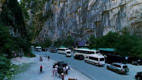 Abkhazia, an unforgettable gorge 9 Aug 2019 Tube tour bus Stop in the canyon. Panorama of the minibus. People are. Abkhazia, Yupshar gorge August 9, 2019 tour stock video