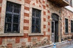 Ablaq stiltegelsten och betong Arkivbild