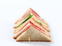 Ablegrująca salami kanapka zdjęcie stock