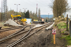 Ablenkung von Eisenbahnlinien mit einem Seitenim Bau stockbild