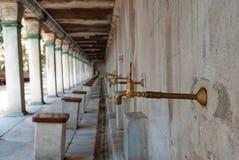 Ablution i moskén Royaltyfria Foton