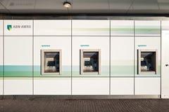 ABN AMRO kontanta fördelningsmaskiner Arkivbild