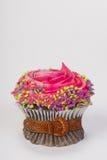 Abnehmen des kleinen Kuchens. Stockfoto
