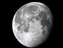 Abnehmende Gibbous Mond-Phase 95% belichtete stockbilder