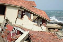 Abnutzung, Klimawandel, gebrochenes Gebäude, Hoi An, Vietnam stockbilder