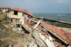 Abnutzung, Klimawandel, gebrochenes Gebäude, Hoi An, Vietnam lizenzfreies stockbild