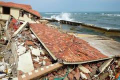 Abnutzung, Klimawandel, gebrochenes Gebäude, Hoi An, Vietnam stockfotos
