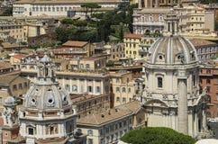 Abobada igrejas de Santa Maria di Loreto e de Santissimo Nome di M imagem de stock