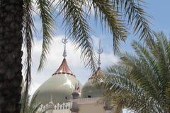 Abobade o céu e nuvens islâmicos bonitos do projeto da arte de pattani da mesquita de Masjid Imagens de Stock