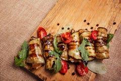 Abobrinha e beringela enchidos fritados rústicos Foto de Stock