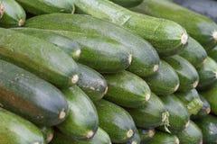 Abobrinha maduro verde maduro e saboroso Foto de Stock