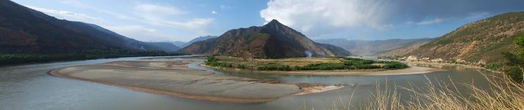 aboient le premier fleuve le Yang Tsé Kiang Photo libre de droits