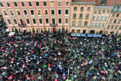 Aborcja protest w starym grodzkim Warszawa obraz royalty free