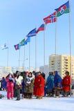 Aboriginals du nord de la Sibérie pendant les vacances Images stock