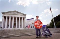 abortdomstolperson som protesterar s suverän u Royaltyfria Bilder
