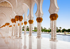 ABOU DABI - 5 JUIN : Sheikh Zayed Mosque Photographie stock