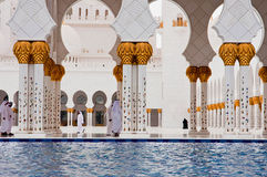 ABOU DABI - 5 JUIN : Sheikh Zayed Mosque Photo stock
