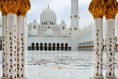 ABOU DABI - 5 JUIN : Sheikh Zayed Mosque Photos libres de droits