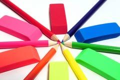 Abrégé sur coloré crayon et gomme à effacer Image libre de droits