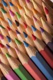 Abrégé sur coloré crayons ! Photo stock