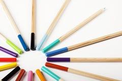 Abrégé sur coloré crayons ! Cercle Photographie stock libre de droits