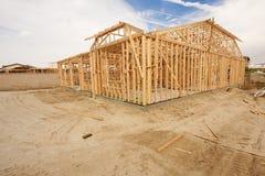 Abrégé sur de encadrement à la maison nouvelle construction Images libres de droits