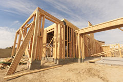 Abrégé sur de encadrement à la maison nouvelle construction Photographie stock libre de droits
