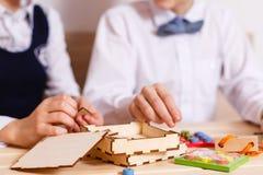 Abrégé sur en bois bloc de jeu avec le bokeh Photo stock