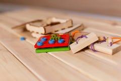 Abrégé sur en bois bloc de jeu avec le bokeh Photographie stock libre de droits