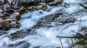 Abrégé sur flot de fleuve Image stock