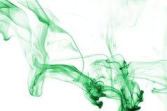 Abrégé sur fumée en Aqua images libres de droits