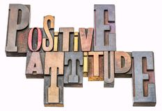 Abrégé sur mot d'attitude positive dans le type en bois photos libres de droits