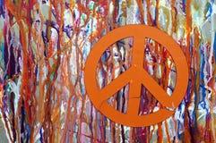 Abrégé sur peinture d'égoutture avec un signe de paix Photo libre de droits