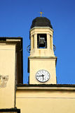 abrégé sur turbigo en Italie la cloche de tour de mur et d'église Photo stock