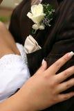 Abraço do dia do casamento Imagem de Stock