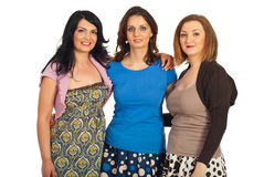 Abraço feliz das mulheres dos amigos Fotos de Stock Royalty Free