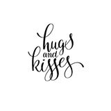 Abraços e mão preto e branco dos beijos escrita a rotulação romântica Foto de Stock
