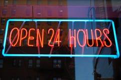 Abra 24 horas de néon Fotografia de Stock Royalty Free