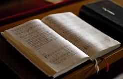 Abra a Bíblia imagens de stock royalty free