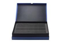 Abra a caixa com a esponja de empacotamento protetora Imagem de Stock