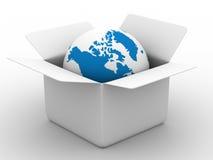 Abra a caixa com o globo no fundo branco Fotografia de Stock Royalty Free