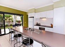 Abra a cozinha do Galera-Estilo Fotos de Stock Royalty Free