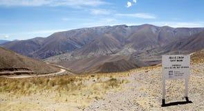 Abra del Condor-bergpas bij een verhoging van 4000 m op de grens van de Provincie van Salta en Jujuy-, Argentinië stock foto