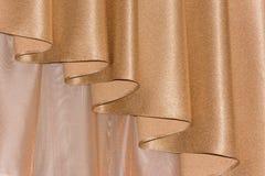 Abra el color de oro del lambrequin (portiere, cortina) Fotografía de archivo
