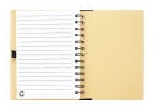 Abra el cuaderno con las páginas alineadas blanco aisladas en el backgroun blanco Fotografía de archivo libre de regalías