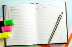 Abra el cuaderno con las paginaciones alineadas. imágenes de archivo libres de regalías