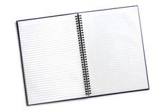 Abra el cuaderno espiral con la trayectoria aislada Imagenes de archivo